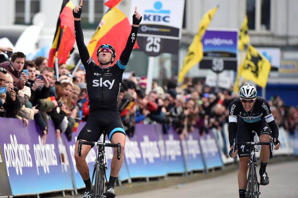 Ian Stannard ganando el Omloop Het Nieuwsblad 2015. Foto: © Graham Watson