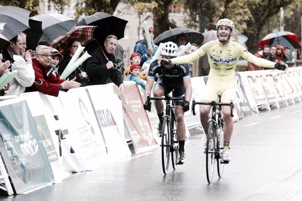 """Victoria de """"El Gallu"""" en Trofeo da Asención (Fuente: clubciclistariasbaixas.com )"""