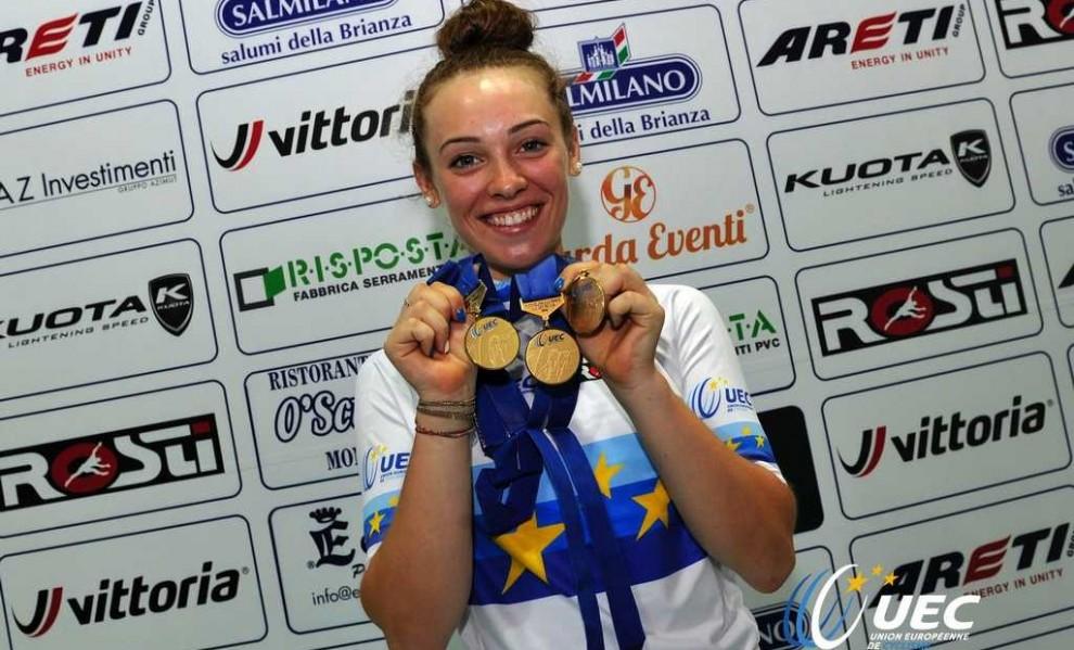 Con sus medallas del Europeo. Foto © UEC