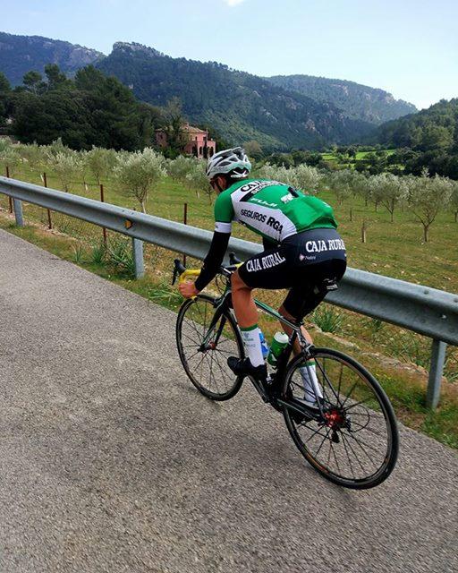 """Mallorca es una gran zona para disfrutar del ciclismo, y esa suerte la tiene el balear Sureda (Foto: Facebook """"Jaume Sureda Morey"""")"""