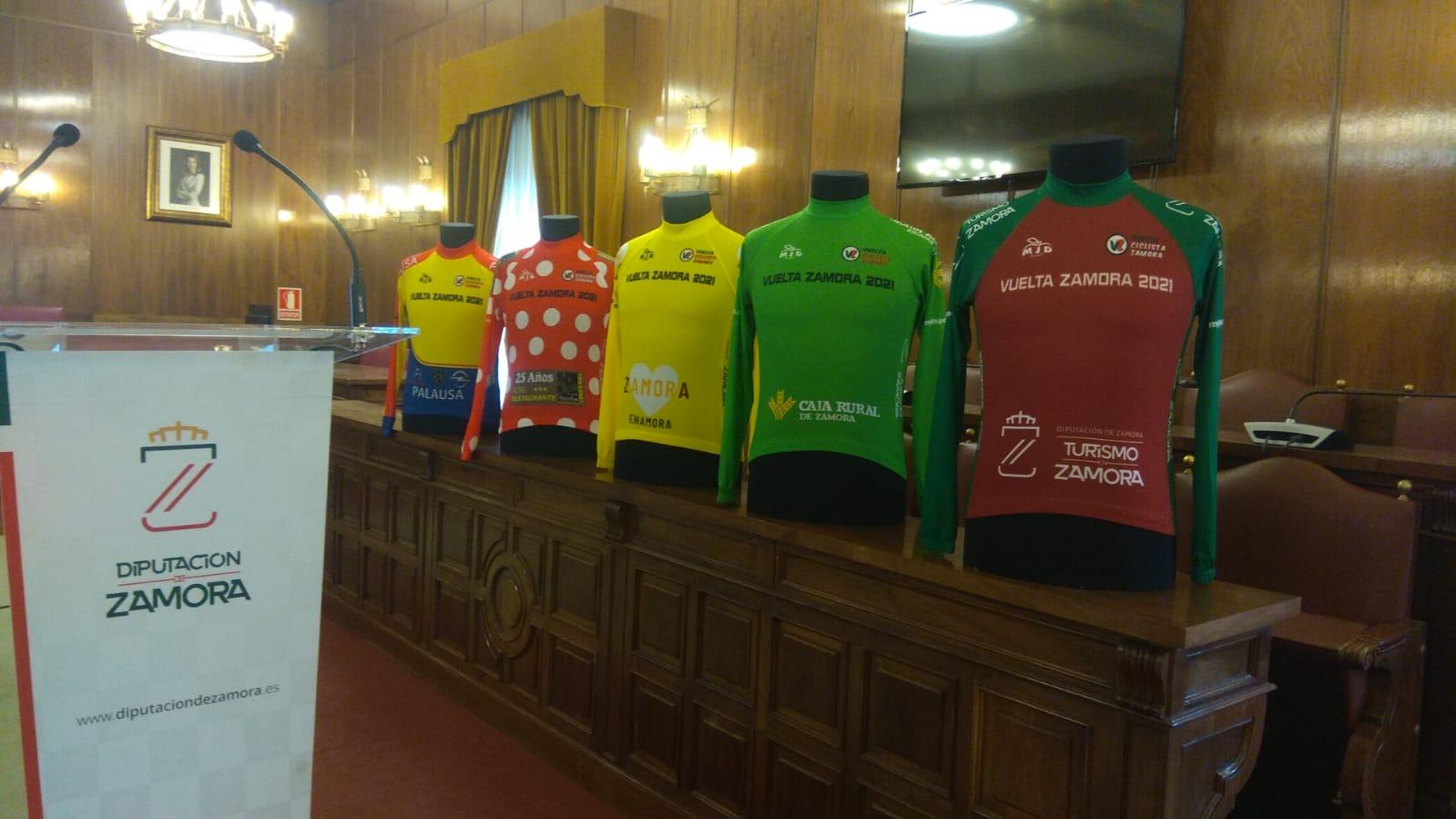 Maillots de las diferentes clasificaciones de la Vuelta a Zamora 2021