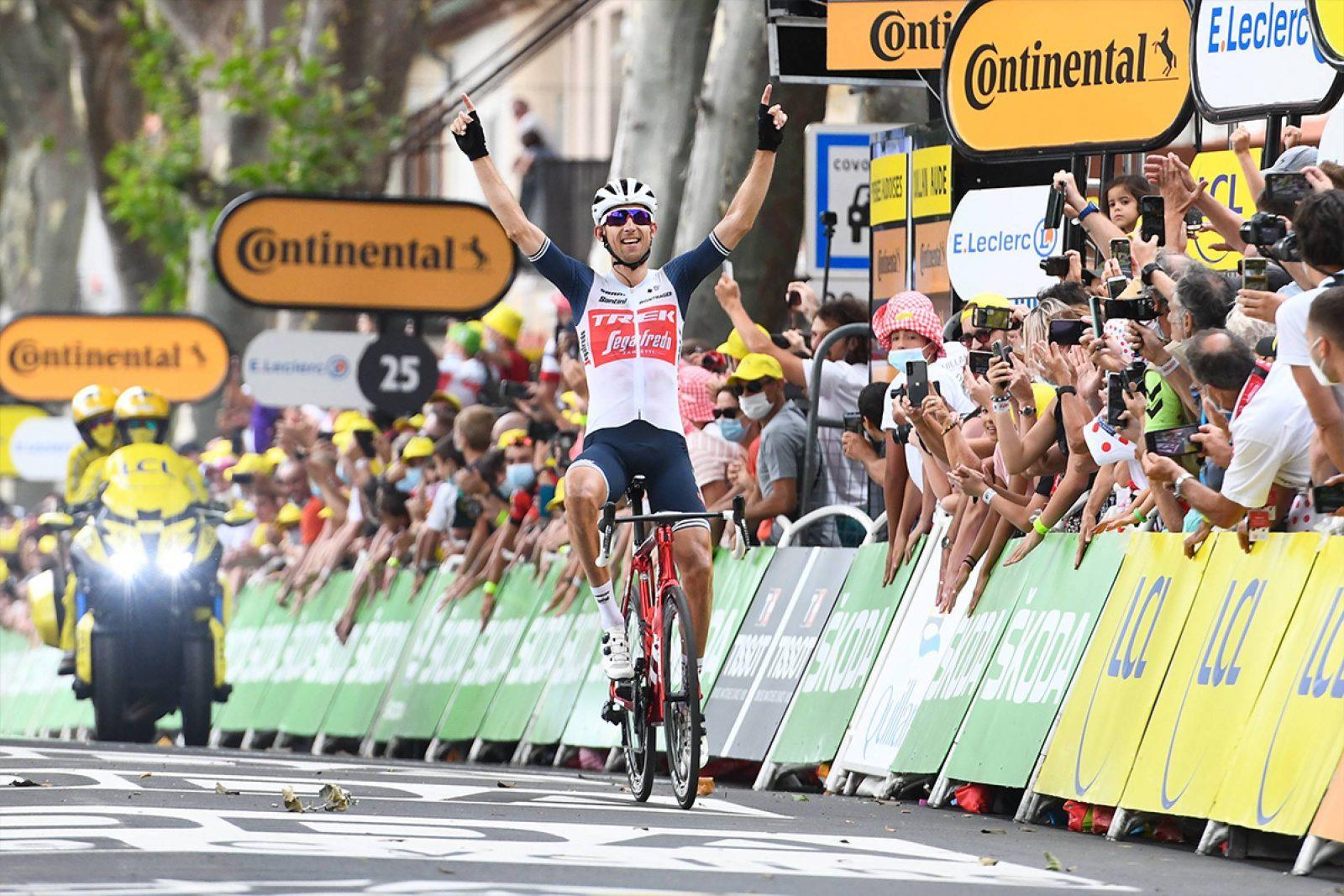Mollema celebra su victoria (Foto: letour.fr)