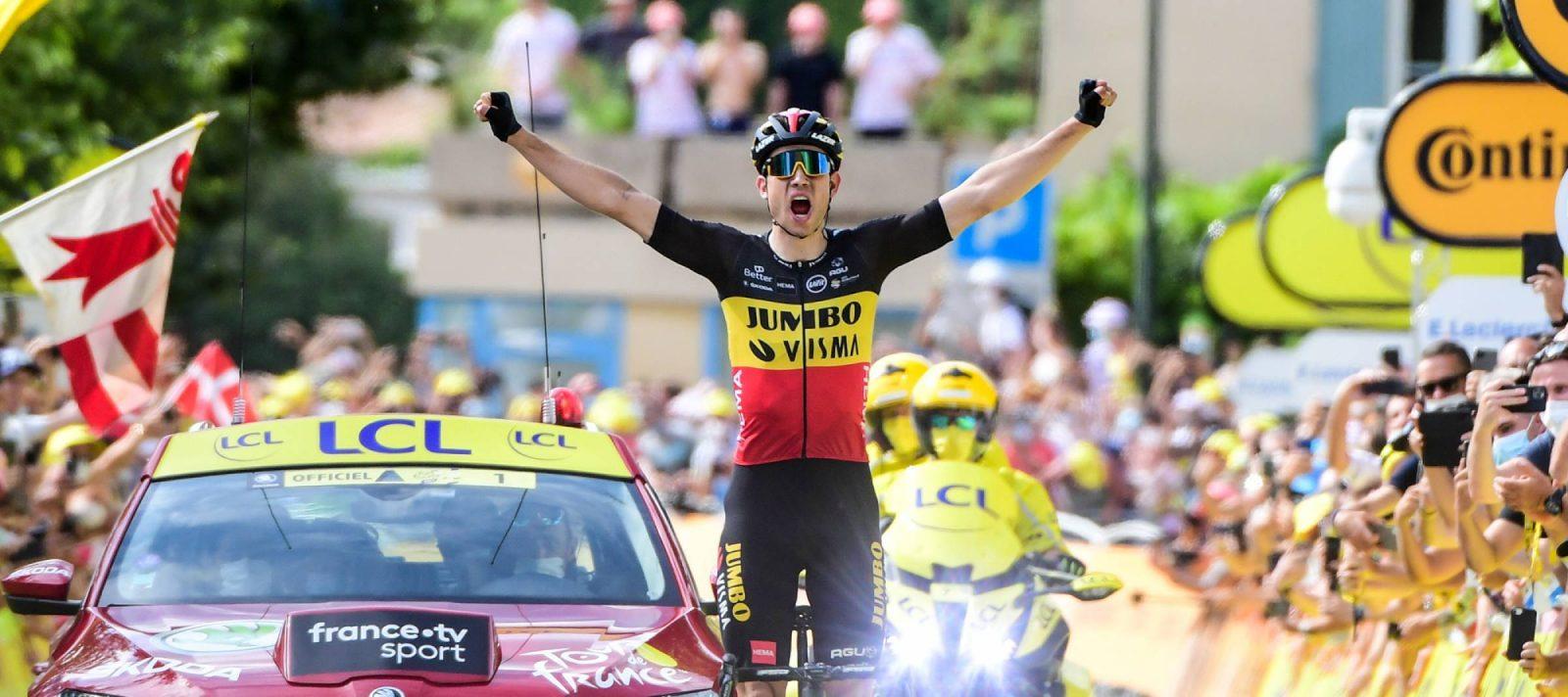 Van Aert celebra la victoria tras la doble ascensión al Ventoux (Foto: letour.fr)
