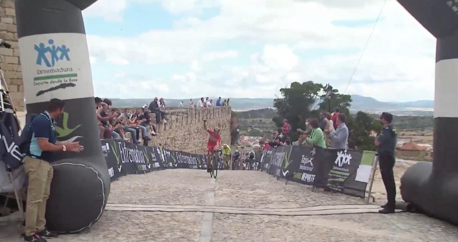 Benjamí Prades logra el triunfo en Trujillo (Foto: Ciclismo El Pelotón/SportpublicTV)