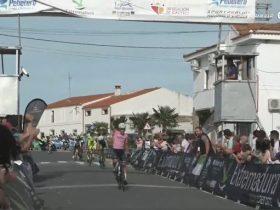 Entrada de Coterillo en la meta de Salorino (Foto: Ciclismo El Pelotón/SportpublicTV)